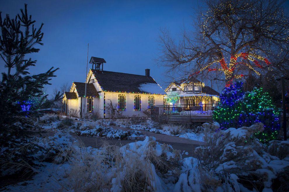 Santa-s-Village-1_54_990x660